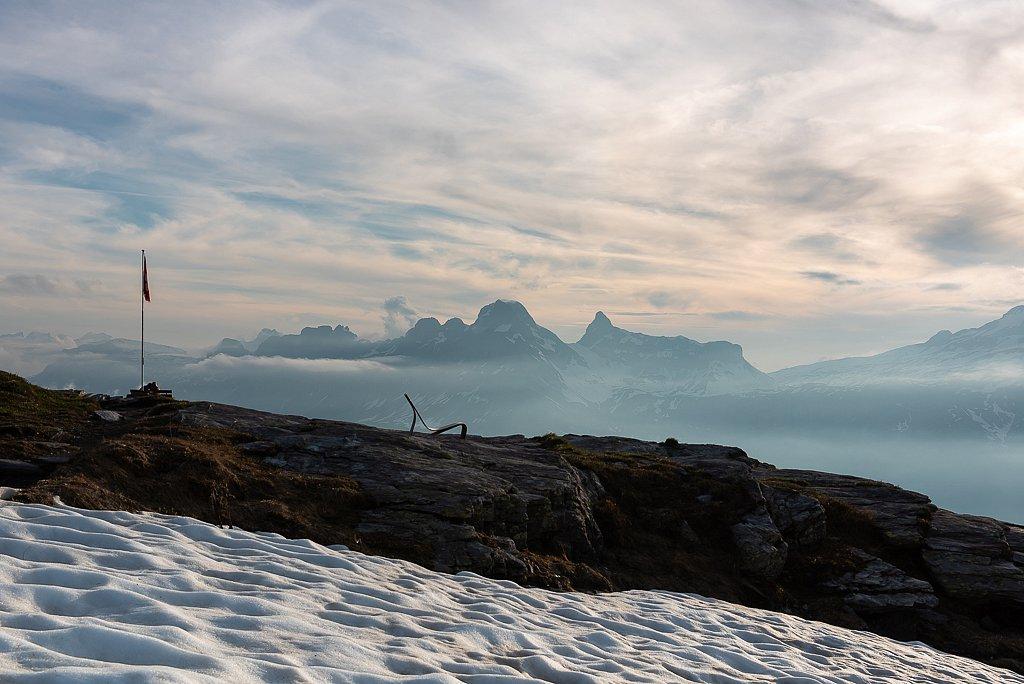 Sponeck Eternitstuhl bei der Leglerhütte SAC 2273 m, Schwanden