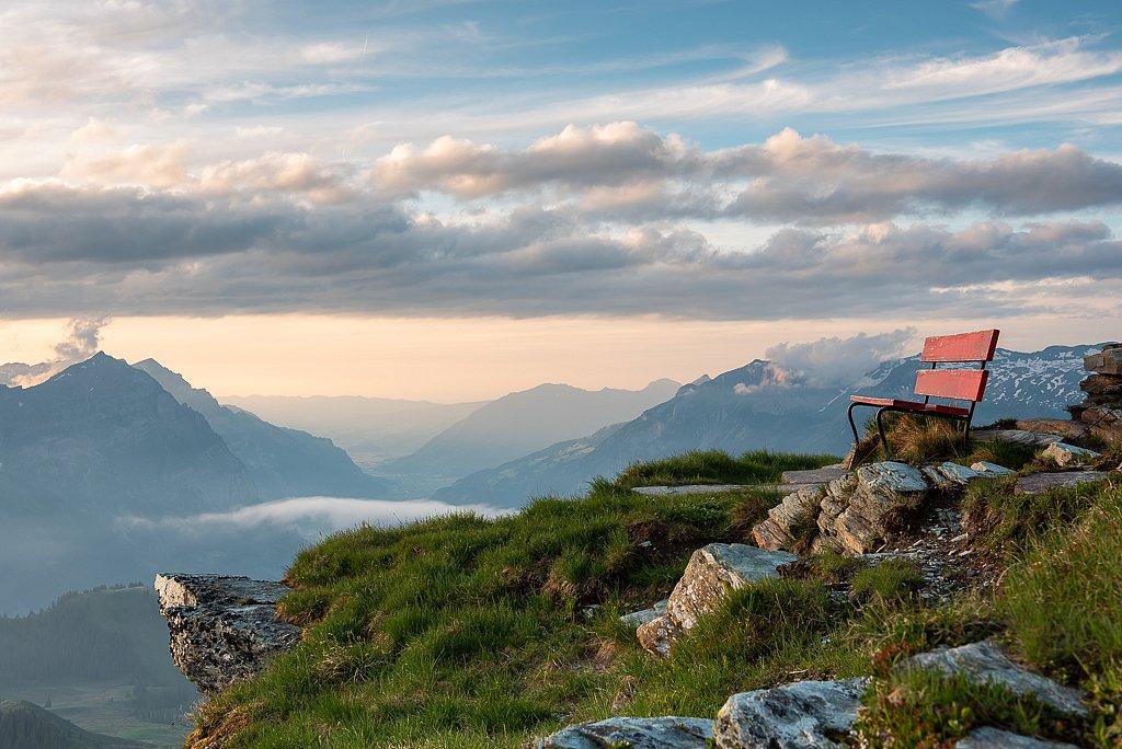 Ruhebänkli mit Ausblick, Leglerhütte SAC 2273 m, Schwanden GL