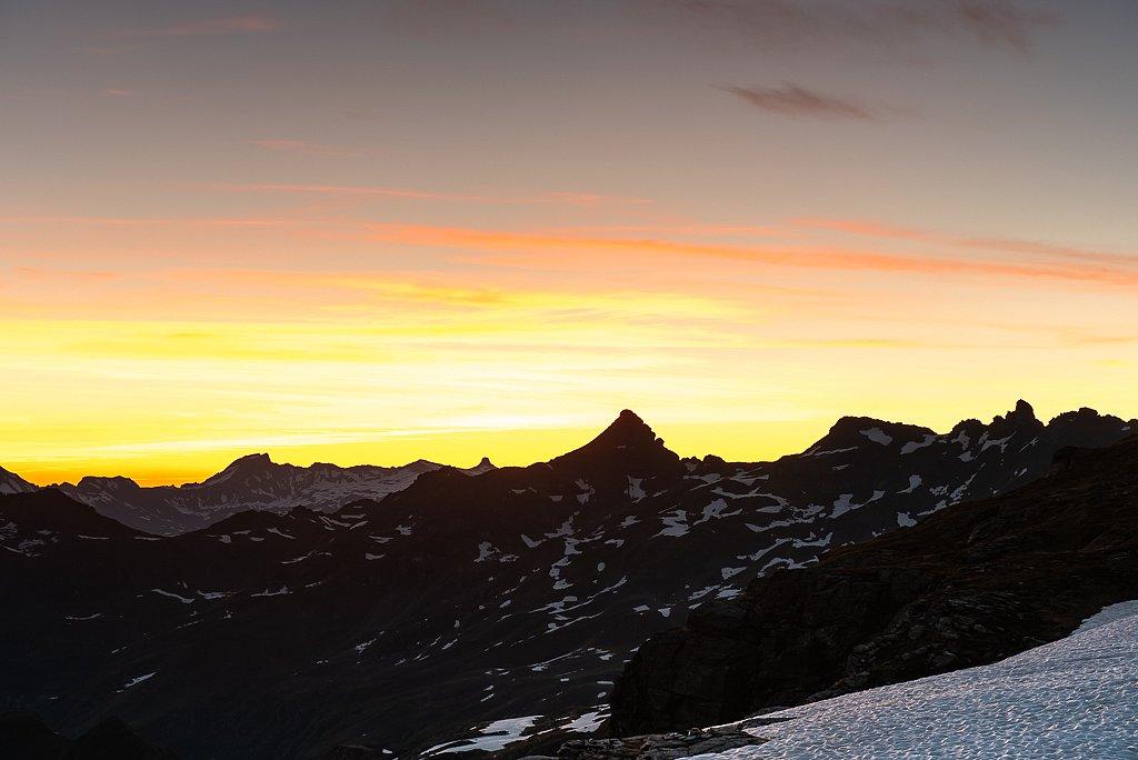 Charenstock 2421 m, Leglerhütte SAC 2273 m, Schwanden GL